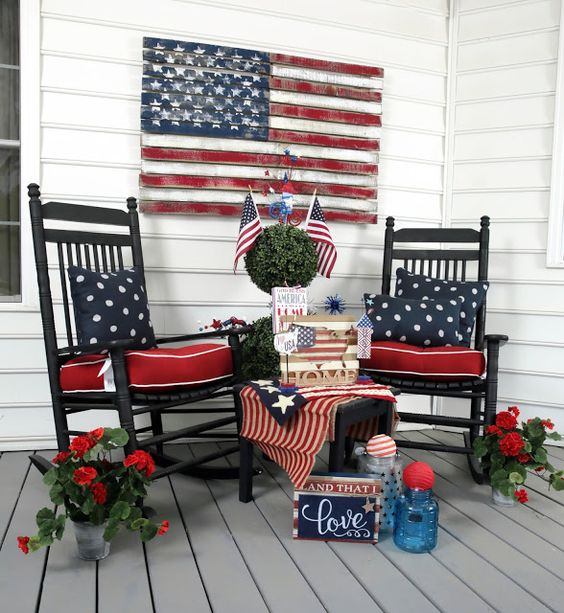 10 Dazzling Ways to Decorate Your Porch for The 4th| DIY Porch Decor, Holiday Porch Decor, Holiday Porch Decor Ideas, Fourth of July Porch Ideas, Porch Ideas for the Fourth of July, Fourth of July Home Decor,Popular Pin