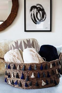 10 Absolutely Genius Ways to Store and Organize Your Blankets| How to Organize Your Blankets, Storing Your Blankets, How to Store and Organize Your Blankets, Popular Pin, #homeorganization, #homestorage #diystorage #diyhomeorganization #organization #easydiyprojects