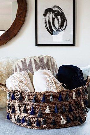 10 Absolutely Genius Ways to Store and Organize Your Blankets| How to Organize Your Blankets, Storing Your Blankets, How to Store and Organize Your Blankets, Popular Pin, #homeorganization, #homestorage #diystorage #diyhomeorganization #organization #easydiyprojects