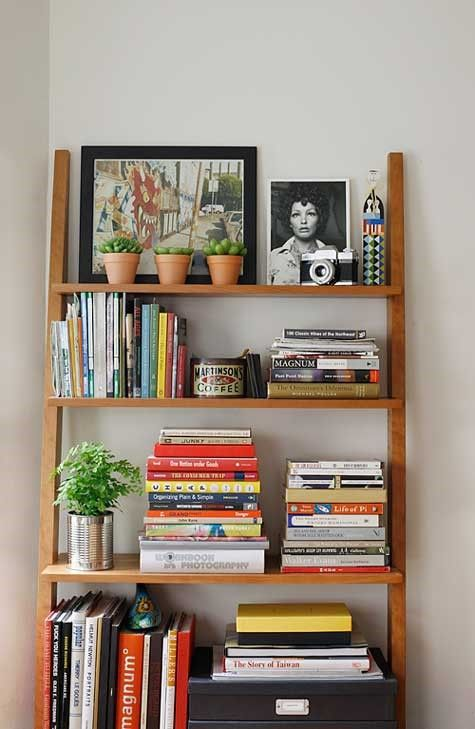 12 diy bookshelves that will make your home a library for Cute bookshelf ideas