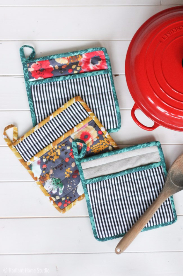 12 Things to Sew for Your Kitchen  DIY Sewing Projects, Easy Sewing Projects, Quick and Easy Sewing Projects for Kids, Kitchen Sewing Projects, Fast Sewing Projects, Popular Pin #sewing #diysewing #sewingprojects #diydecor #diyprojects #diycrafts
