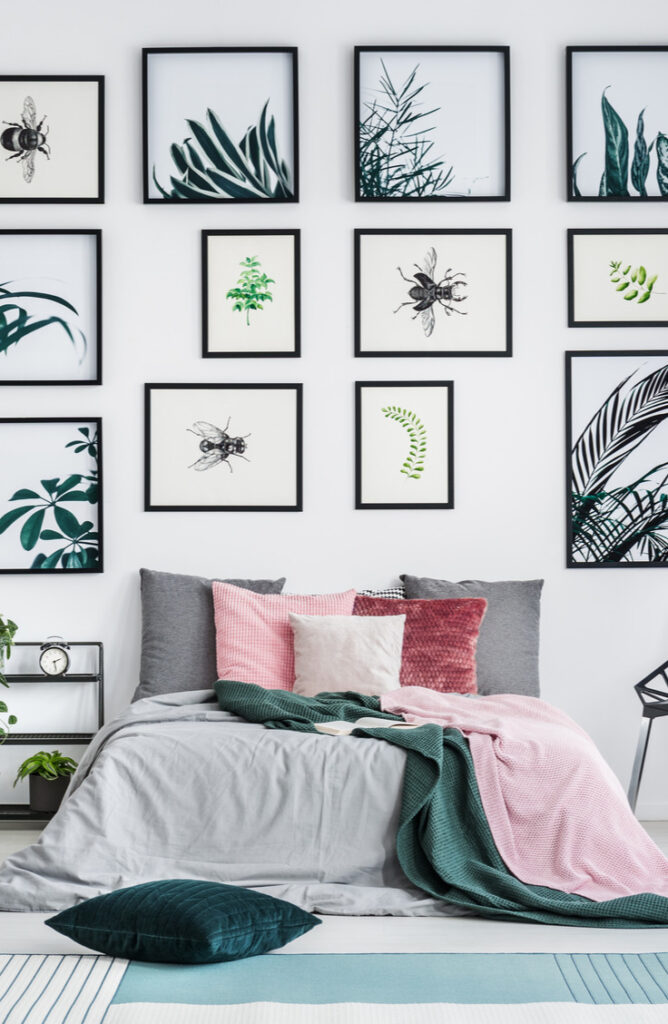 You've printed your fav photos, now what? When it comes to finding ways to display photos, there are so many options! Gallery walls is one of the hottest trends for displaying your photos.