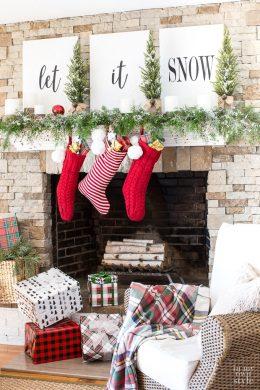 10 Christmas Decor DIYs for a Seriously Festive Home| Christmas Decor, DIY Christmas Decor, Homemade Christmas Decor, Holiday Hacks, Holiday Christmas Hacks, Popular Pin #Christmas #ChristmasDecor #HolidayProjects