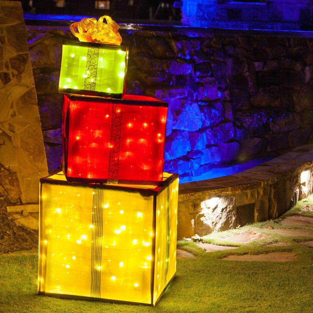 10 Christmas Decor DIYs for a Seriously Festive Home