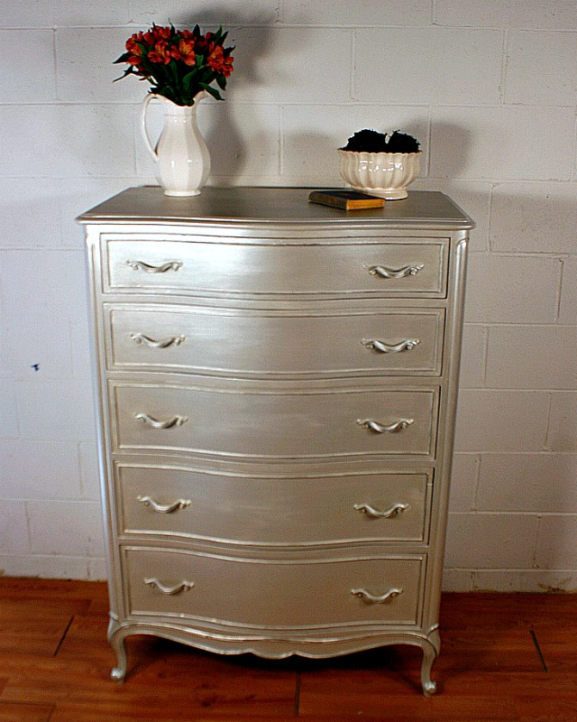 How to Get A Metallic Stain on ANY Piece of Furniture| Metallic Paint Stain, Painting Projects, Painting DIY, DIY Painting Projects, Metallic Furniture #PaintingProjects #PaintingDIY #FurnitureProjects
