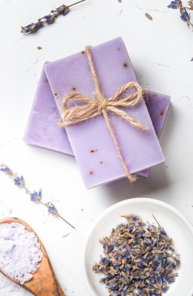 If you've ever wanted to make your own homemade lotion bars, we're here for you! This lotion bar has no beeswax in it. It's completely organic so it absorbs into your skin easier.