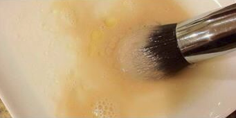 Clean Makeup Brushes At Home