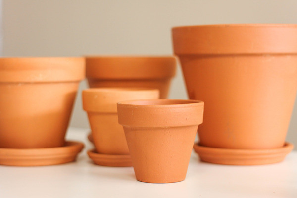 How to Clean Dirty Terracotta Pots| Terra Cotta Pots, Cleaning Dirty Terra Cotta Pots, Cleaning Hacks, Cleaning Tips, Cleaning Tips and Tricks