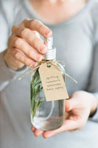 10 Adorable DIY Gifts for Recipients of All Ages  DIY Gifts, DIY Gift Ideas, Easy Gift Ideas, Gift Ideas for Mom, Gift Ideas for Dad, Gift Ideas for Her, Gift Ideas for Him