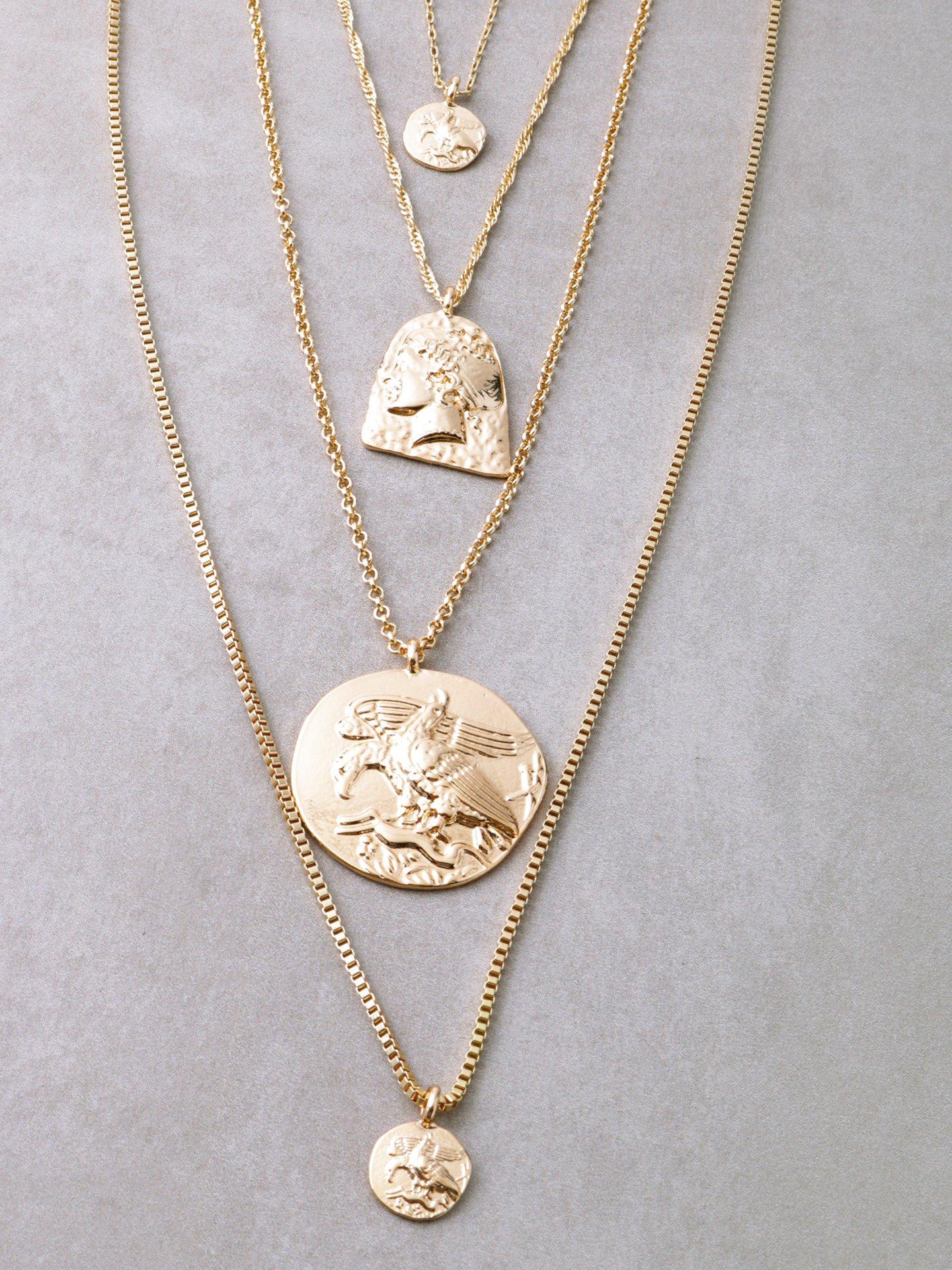 gold necklace sets | necklace sets | necklace | gold | gold necklace | jewelry | jewelry sets | gold jewelry | gold jewelry sets | jewelry trends | necklace trends