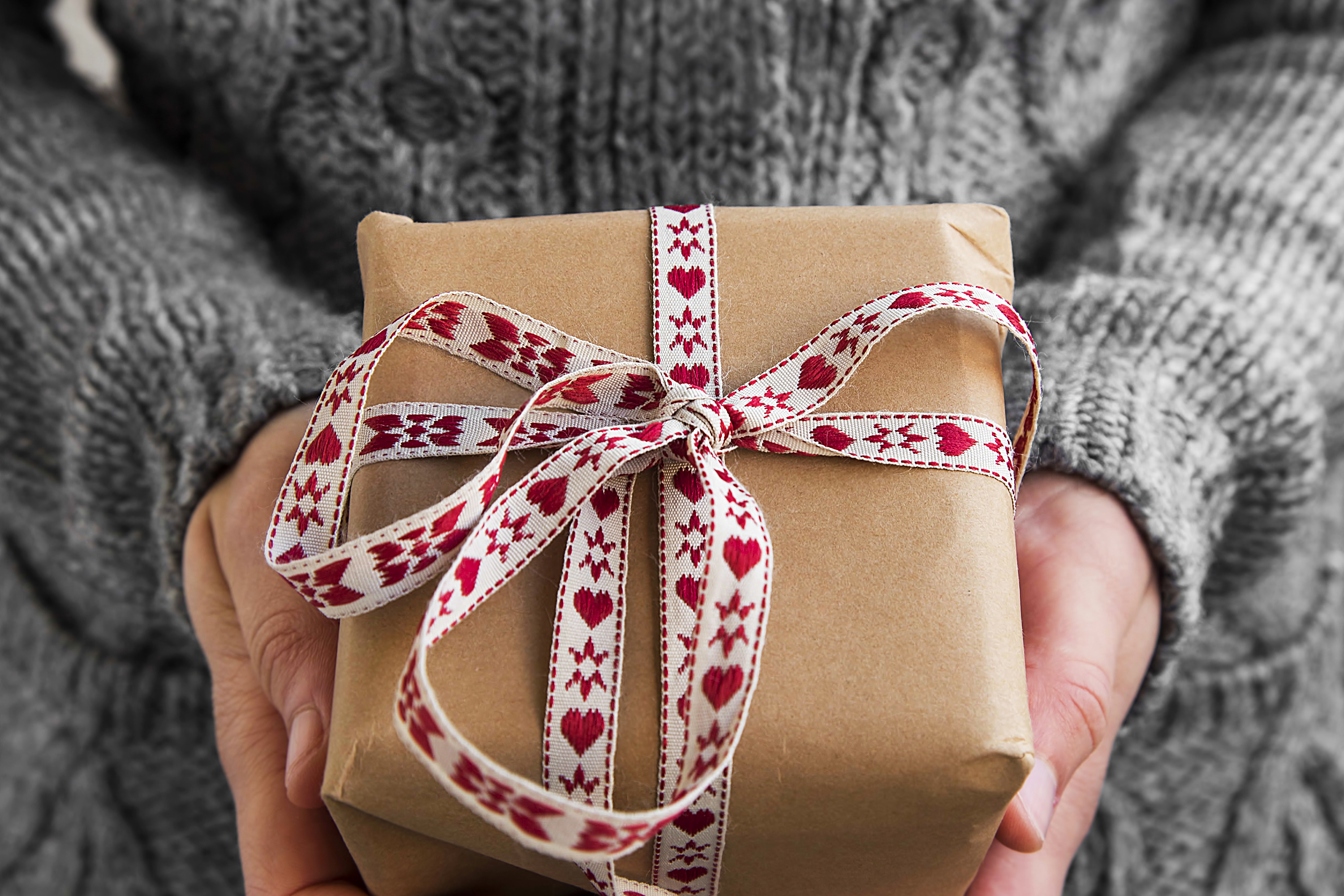 It can be hard trying to come up with the perfect Christmas gifts. Lucky for you, I have Christmas gift ideas that will work for everyone in your life.