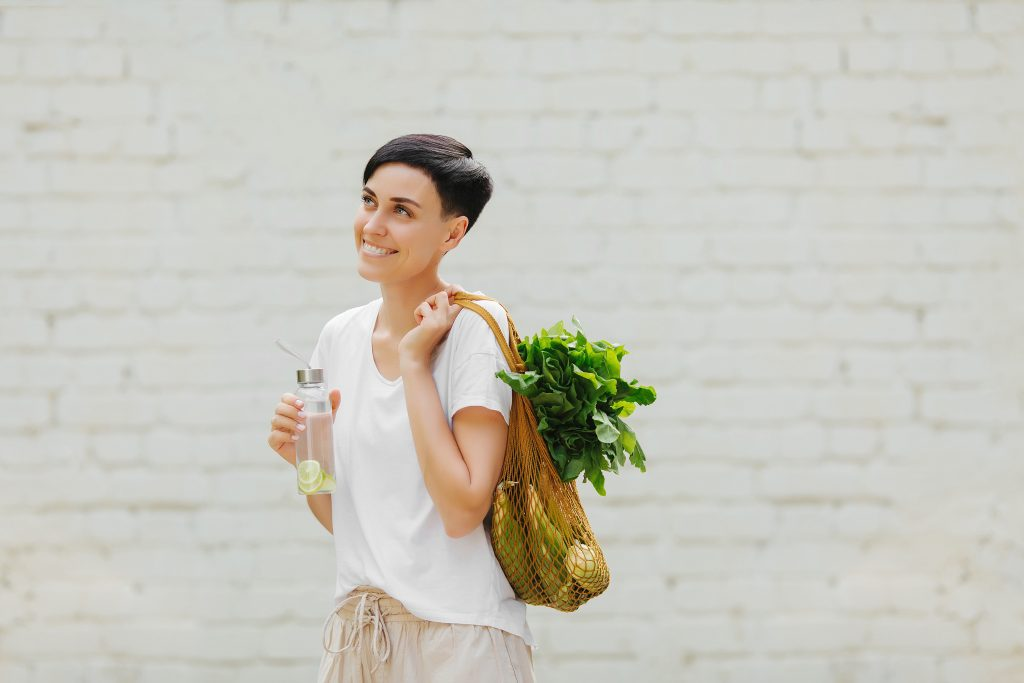 If you're someone who is trying to be more eco-friendly (which we all should be), then you'll want to know these tips for becoming more eco-friendly in your home. You can start in the kitchen by using reusable produce bags.