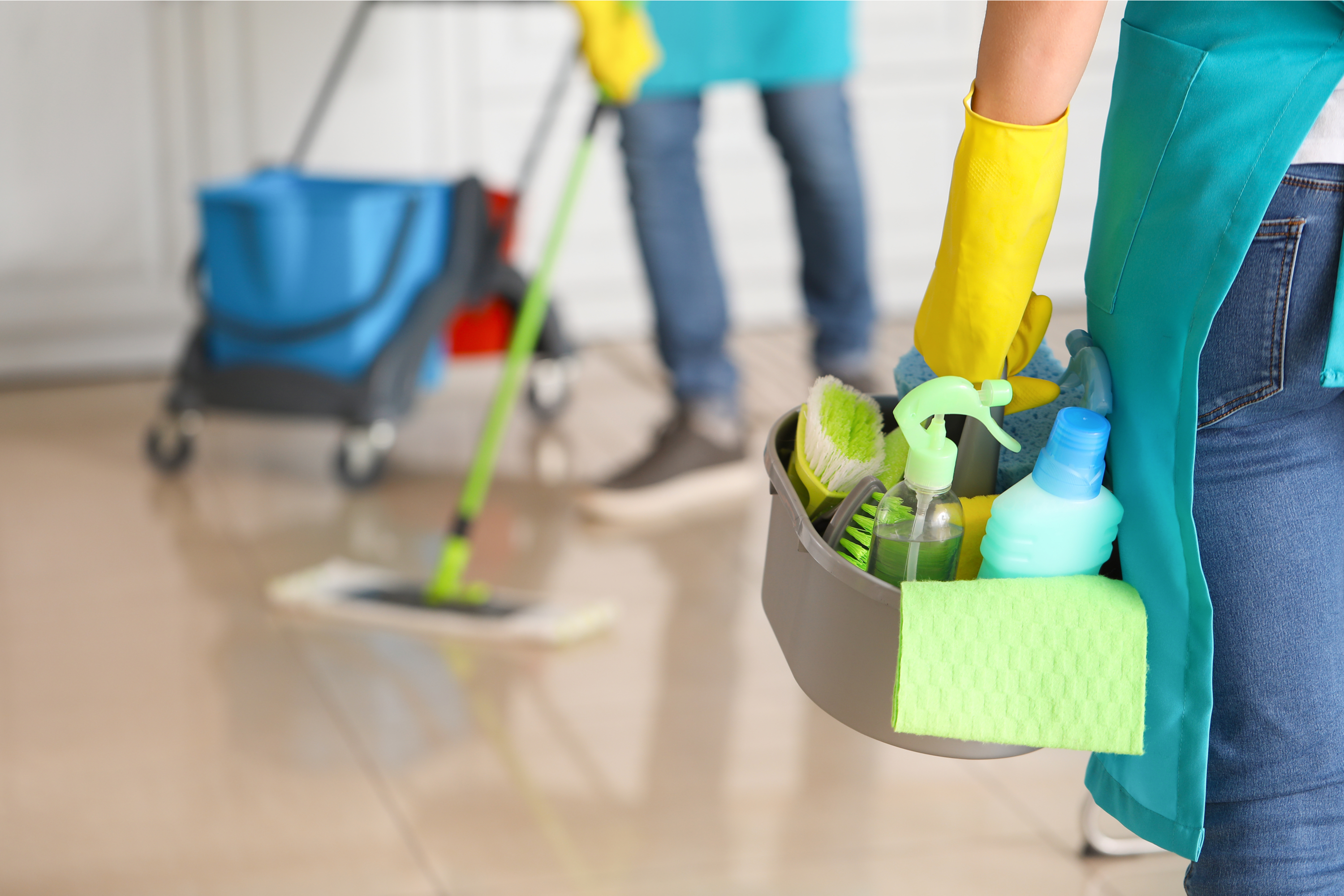 If you want to keep your home squeaky clean, you need to implement these cleaning habits to your life. You'll be amazed at the difference these cleaning habits make on a daily bases.