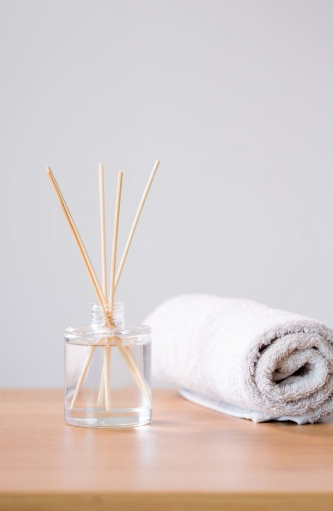 Do you want your bathroom to smell amazing? Add an essential oil diffuser! With a few of these zen bathroom ideas, your bathroom will be the calmest room in your house.