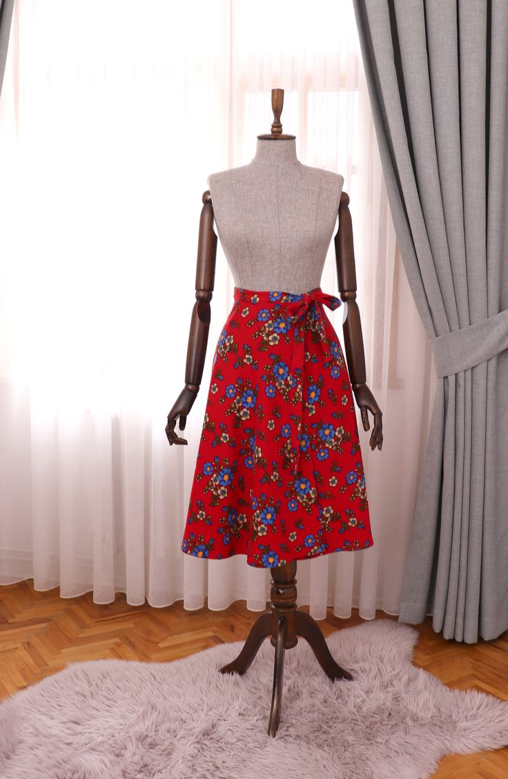 Learn how to reuse and repurpose old clothes. You can even turn your old favorite shirt into a beautiful new skirt!