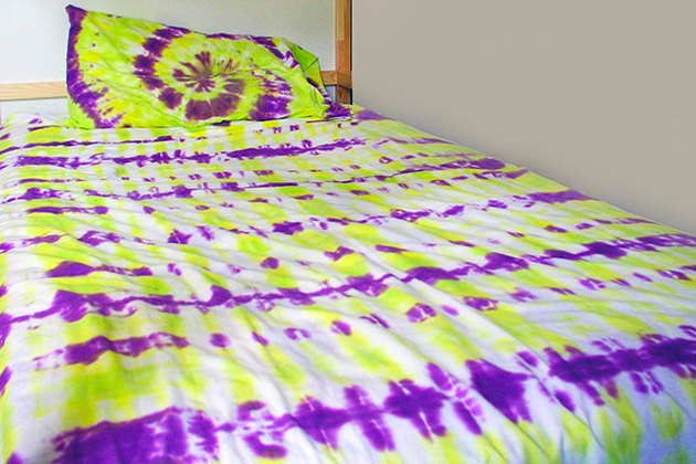 How to tie dye sheets