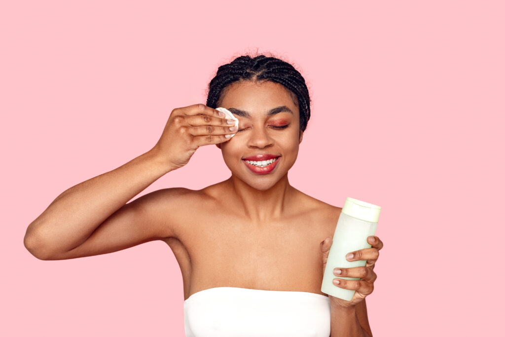 What you need to know about makeup remover cloths