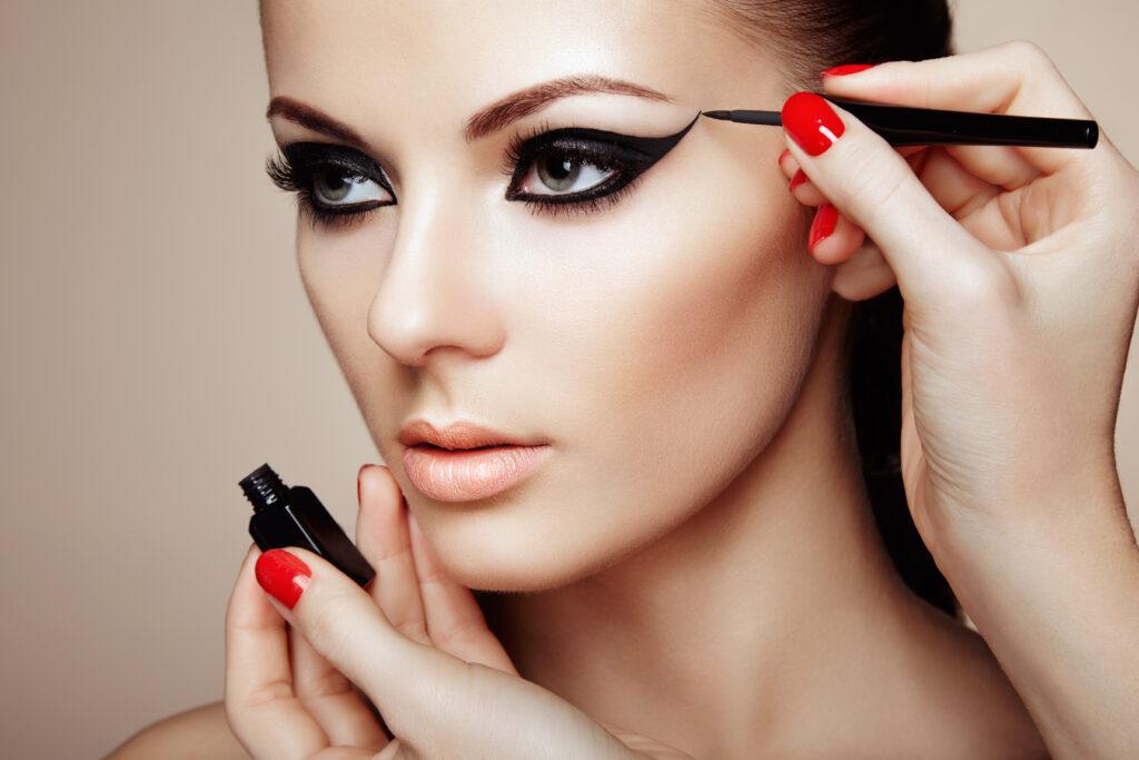 Underliner – Fall Makeup Trends